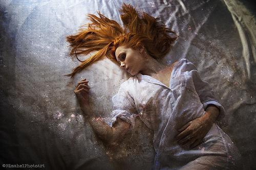 睡眠麻痺:「金縛り」の真実