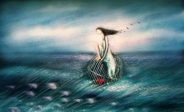 籠に乗って海を漂う人