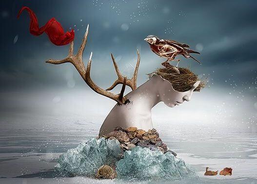 女性の破片と鳥、木の枝