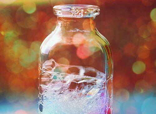 瓶の中の石けん水