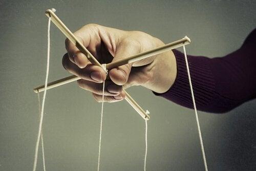 操り人形の糸