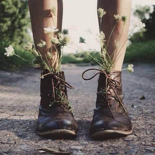 ブーツの中の草