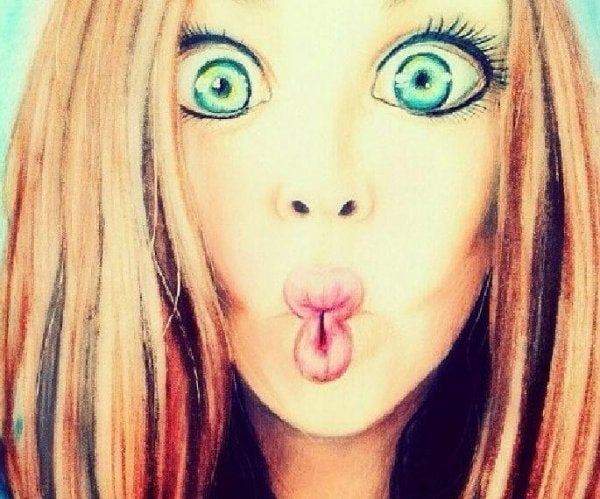 変顔の女性