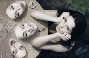 たくさんの顔を持つ女性
