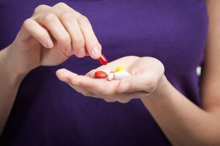 手のひらいっぱいの飲み薬