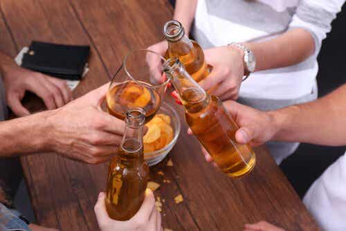 アルコール依存症と習慣の違い