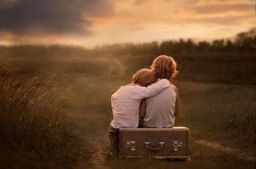 情緒的に未熟な親を持つ子供たち