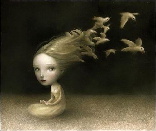 髪が鳥の女性