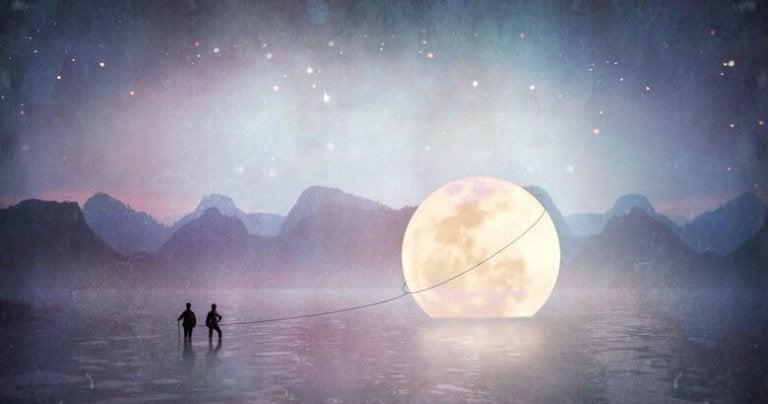 月を引っ張る二人