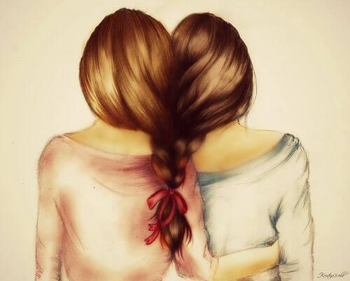 髪を一つに束ねる二人の女の子