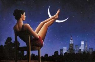 夜空と女性
