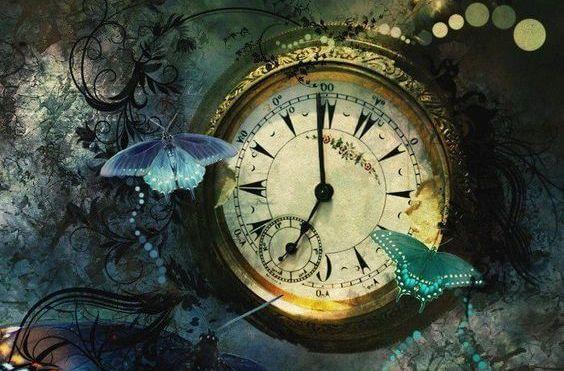 時計の周りの蝶