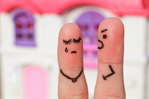 起こる男性となく女性の指人間
