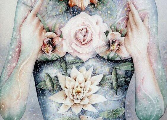 花の映った女性の体