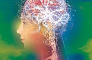 脳が歯車で満ちた女性