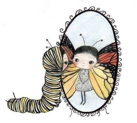 幼虫と鏡に映る蝶の女の子