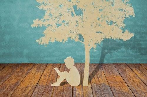 木の下で読書