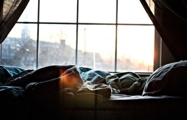 朝のベッド