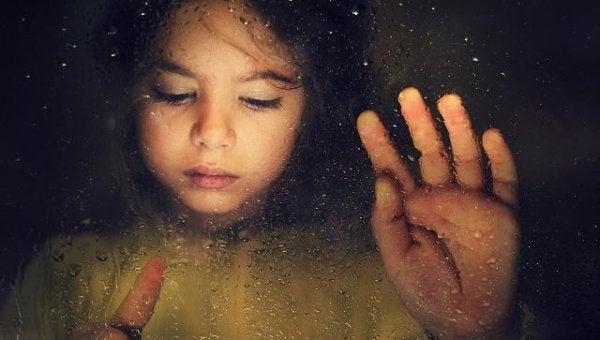 子供から笑顔が無くなった日:児童性的虐待