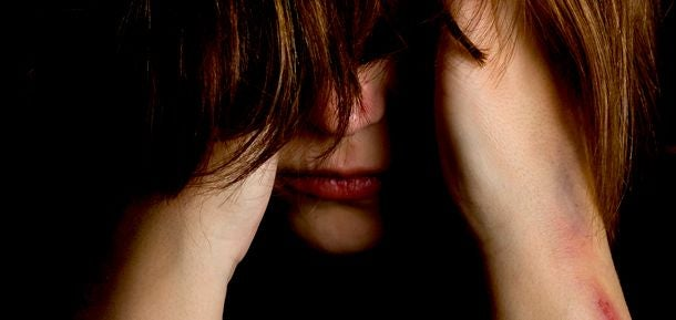 悲しむ女性1
