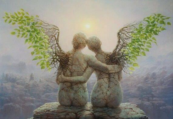 二人で一つの天使の石像