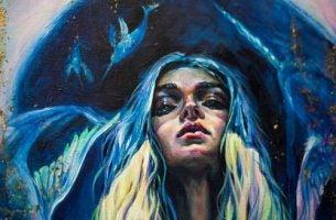 青の中の女性