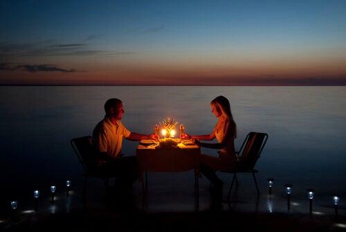 水辺のディナー