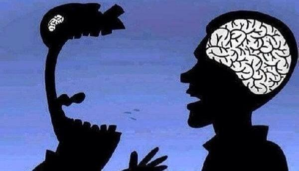 相手に怒鳴る人の脳は小さい