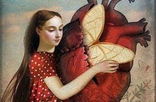 心臓を抱く少女