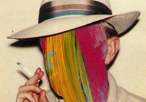 顔が塗りつぶされた喫煙者