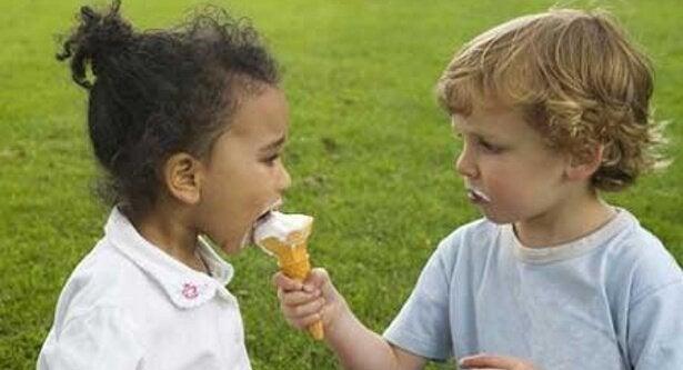 アイスクリームをシェア