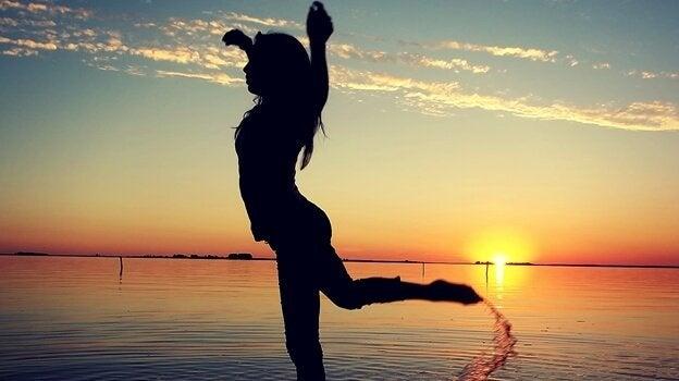 海でダンス