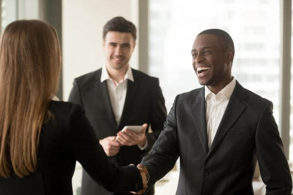 外交的な人たち: 5つのよくある特徴