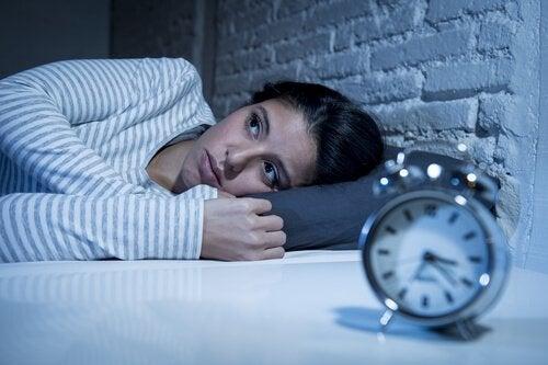 夜は私達の心配を助長する