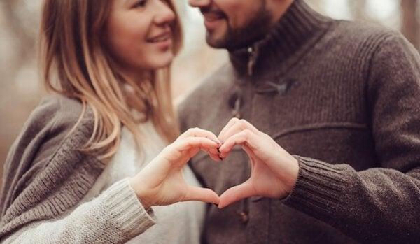 あなたの交際関係を強化する5つのヒント