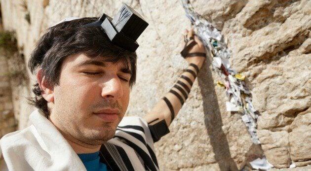 エルサレムの壁と男性