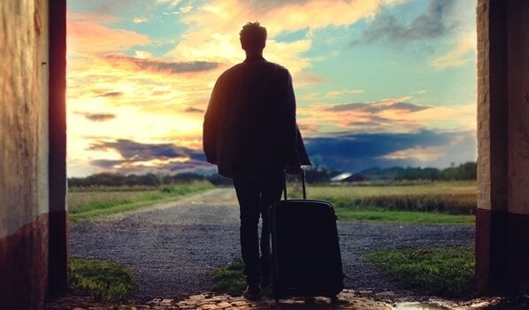 一人旅をする男性