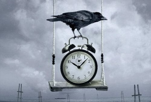 カラスと時計
