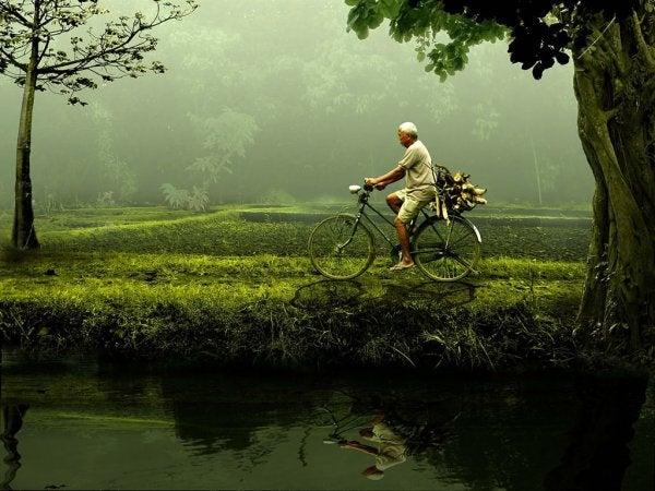 自転車にのる男