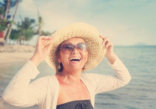 幸せな中年女性