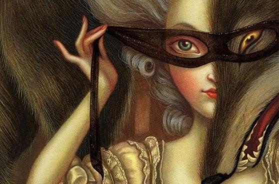狼のマスクをした女性