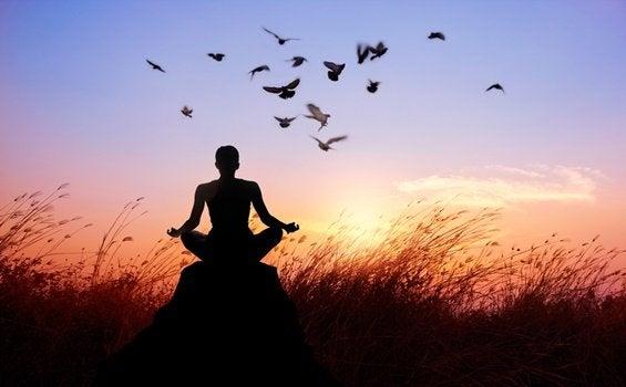 仏教が教える、苦しみから解放されるための8つの方法