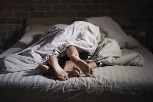 セクソムニア:寝ている間にセックスをする人