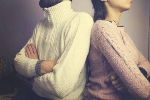 人間関係を破壊する4つの行動
