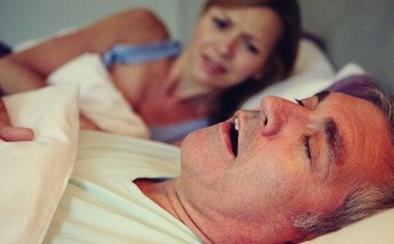 睡眠時無呼吸症の危険性