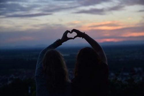 愛は来ては去るもの。でも友情は永遠