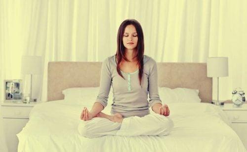 ぐっすり眠れるリラックス方法4つ
