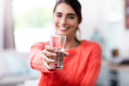 あなたが決めるコップ半分の水