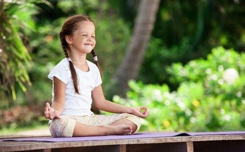 子ども時代の瞑想-幼少期から精神の庭を育てる