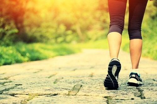 運動することも幸せになるために必要